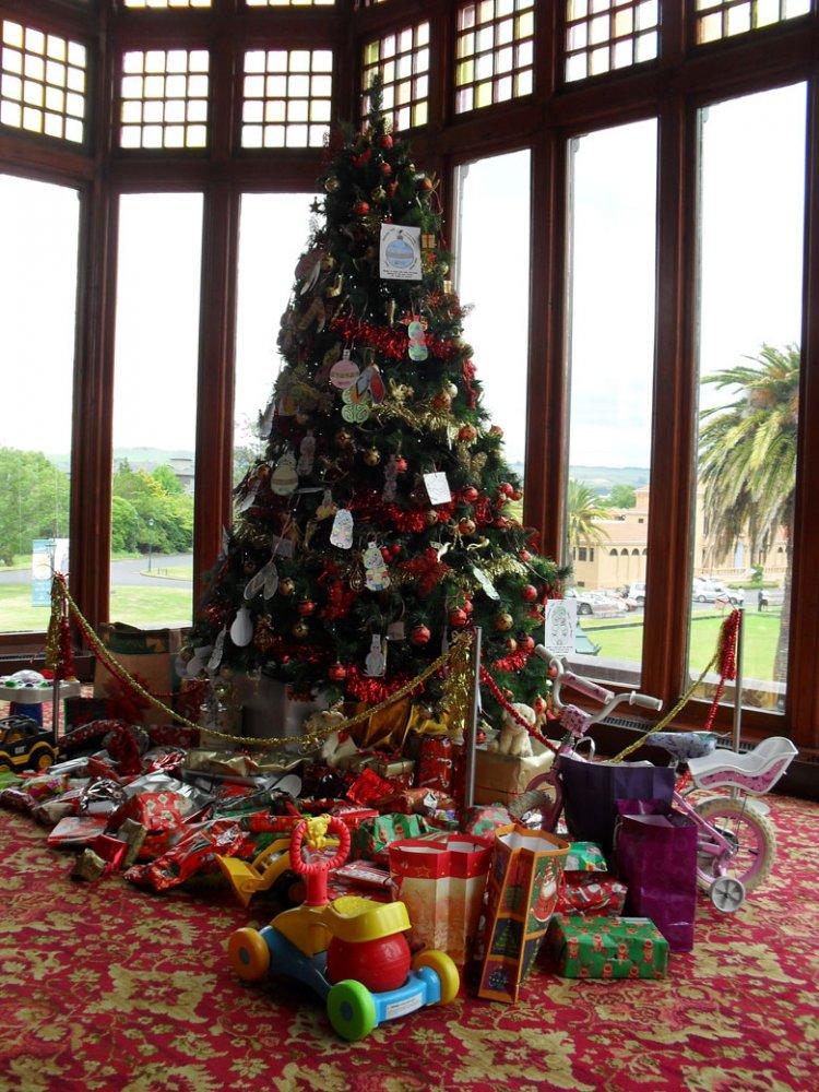 Rotorua Museum Community Christmas Tree