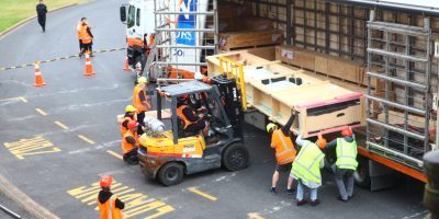 Crated Te Rangitakaroro being loaded at Rotorua Museum Te Whare Taonga o Te Arawa, 2018.