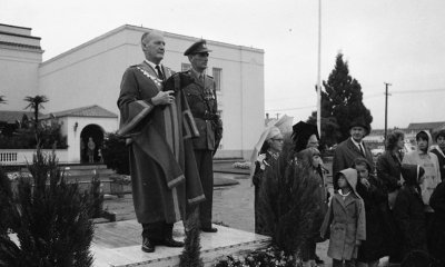 Image Credit: Army on Parade. Rotorua Mayor Murray Linton takes the salute along side Colonel Smith. 1967