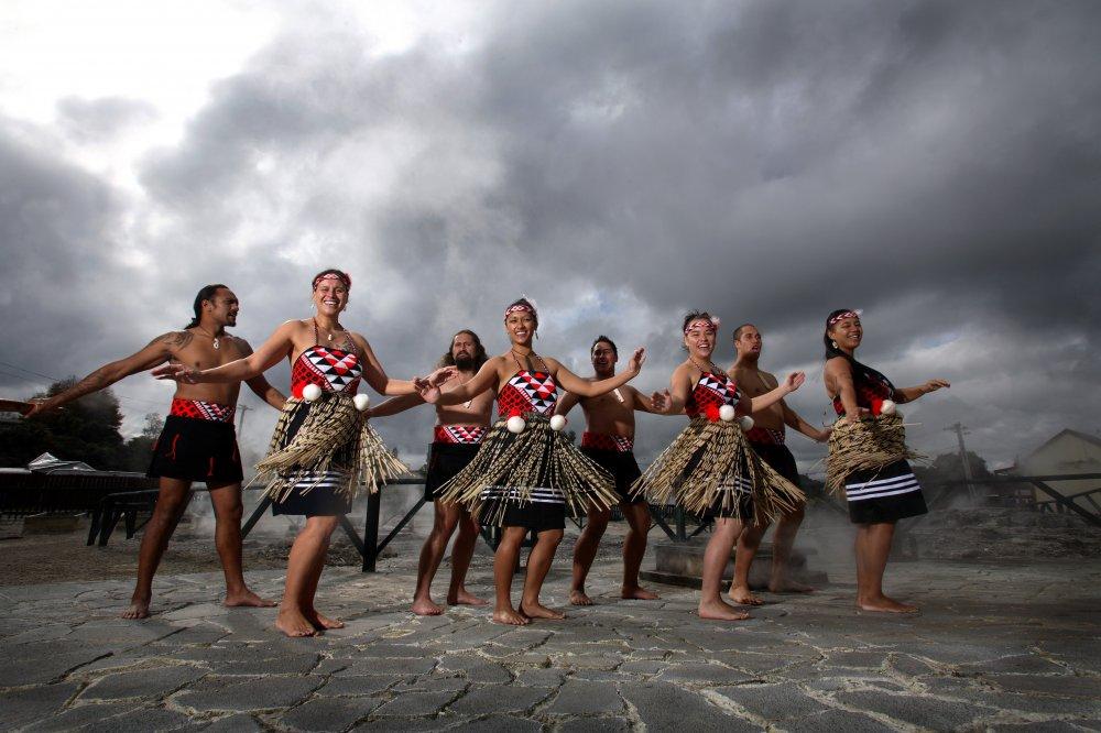 Describe and Promote a New Zealand Tourist Destination - Rotorua