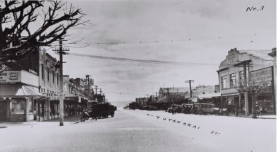 Looking north on Tutanekai Street, from the Hinemoa Street junction, 1936. Photographer unknown.  Collection of Rotorua Museum Te Whare Taonga o Te Arawa (CP-2580)