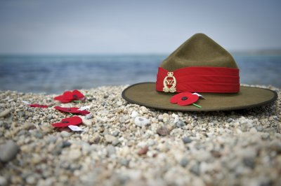 Hat and Poppies – New Zealand Defence Force